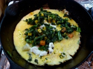 Farmer Omelet - Boeren Omelet with Spinach mixed veggies & soft honey goat cheese