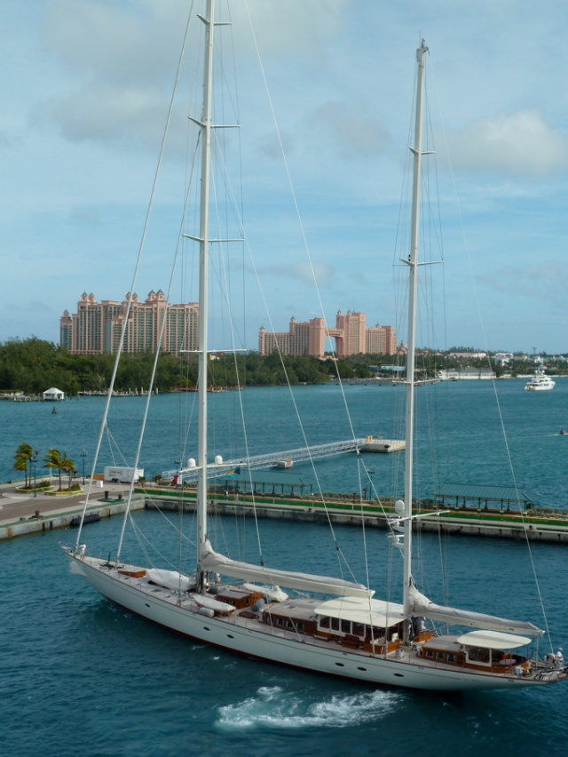 Nassau harbor with Yacht & View of Atlantis Resort © CKatt