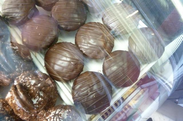 Emerald Bakery Chocolate Ganache Cupcakes