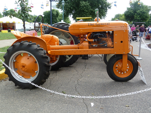 st classic old tractor