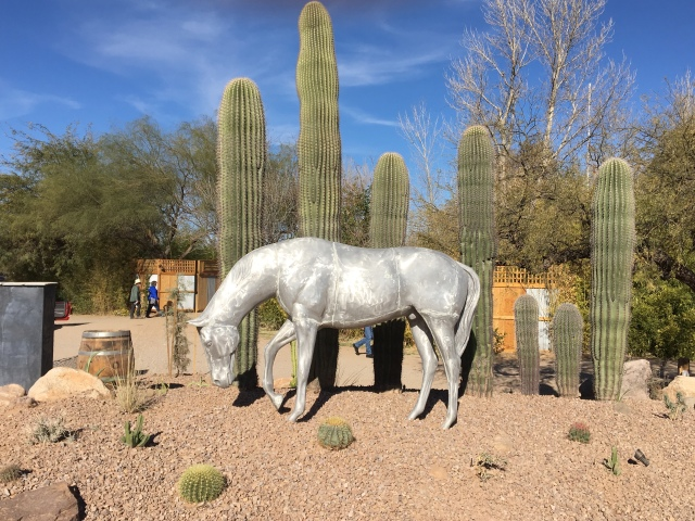 Horse sculpture at the entrance to the ranch